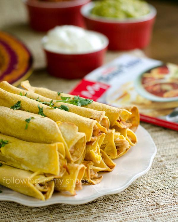 Easy Crockpot Chicken Taquitos