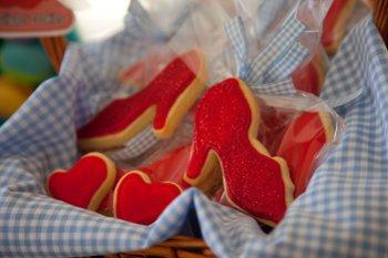 how to make ruby slipper cookies