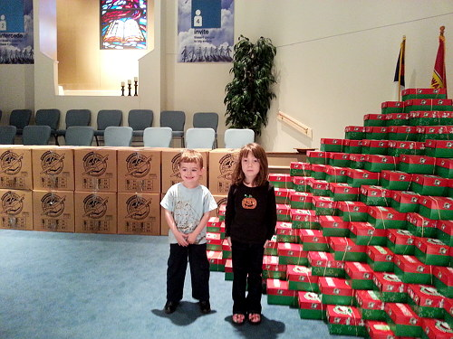Operation Christmas Child Shoebox Display.Operation Christmas Child It Is Not Too Late