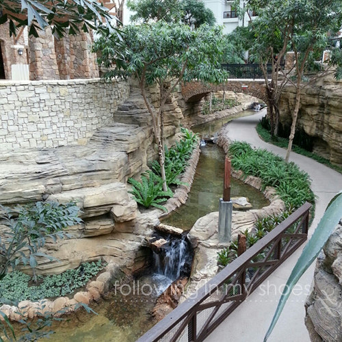 Inside the Gaylord Texan where Blissdom was held ... it was just a little bit pretty.