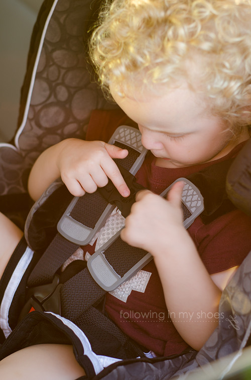 Carseat Buckles for Safest Carseat Britax Advocate