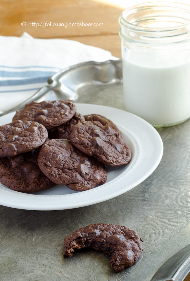 Paleo Mexican Hot Chocolate Cookies -- flourless and refined sugar free